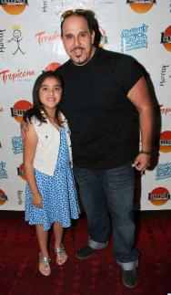 2014-04-27-Murrays-2nd-Anniversary-Red-Carpet-0082-570